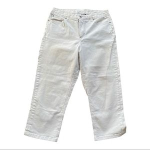 INDIGO white denim jean capri's 14